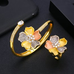 2019 дубай кольцо jankelly  flower Bangle Ring Sets Fashion Dubai Silver Bridal Jewelry Sets For Women Wedding brincos para as mulheres дешево дубай кольцо