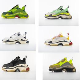 uomo caldo della porcellana Sconti Hot !! 2019 Fashion Paris Triple-S Sneaker Triple S Casual Scarpe da papà per uomo Donna Fluorescente CINA TOP QUALITÀ Designer Shoe Size 36-45