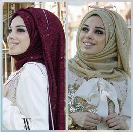 Bufanda de oro liso online-Pañuelo musulmán de estilo caliente, bufanda árabe simple con pañuelo de cabeza musulmana con cuentas y borde con volantes dorados
