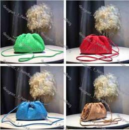 Borse di cuoio tessuto designer online-Famose mini borse firmate borsa a tracolla di marca borse a tracolla in pelle di moda a mano borse da donna tessute 2019 nuovo portafoglio