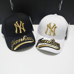2019 tappo regolabile ny 2019 nuovi berretti da baseball di alta qualità di lusso per uomo e donna berretti da baseball NY grandi lettere in oro ricamo visiera parasole regolabile tappo regolabile ny economici