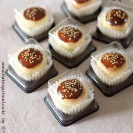 2019 envase de la caja de pastel de la magdalena 100 unids / lote Claro Contenedor de Pastel / Cupcake Muffin Box / Ducha de Boda Desechable de Plástico envase de la caja de pastel de la magdalena baratos