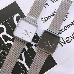 luxusuhren quadratisches gesicht Rabatt Mann Luxusuhr Mensentwerfer Uhren schwarz weiß Gesicht Mode quadratisches Quarzwerk Armbanduhr aus Edelstahl 316 reloj de lujo