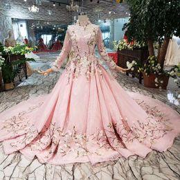 2019 nouvelle conception rose fleurs robes de soirée col haut manches longues en tulle dentelle jusqu'à dos musulman filles Pageant détail appliques robes de bal ? partir de fabricateur