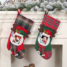 Medias de fotos online-Medias de Navidad de Santa Claus a cuadros grandes que cuelgan de caramelo bolsa de regalo del marco de la Familia caliente Photo Calcetines decoraciones de Navidad para el hogar