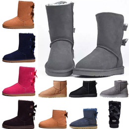 zapatos de noche negros peep toe Rebajas UGG Boots para mujer Short Mini Australia Classic Rodilla Tall Botas de nieve de invierno Diseñador Bailey Bow Tobillo Bowtie Negro Gris castaño rojo 36-41
