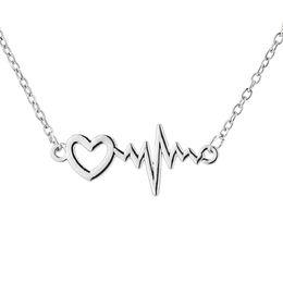 Pendente cuore pendente online-Moda semplice colore argento Lucky Hollow Heart Beat Collana a forma di ciondolo ECG con catena a forma di O K3699