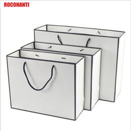 impresiones enmarcadas en negro Rebajas La bolsa de papel blanca de las compras del marco negro 50X con la impresión modificada para requisitos particulares secuencia del LOGOTIPO acepta