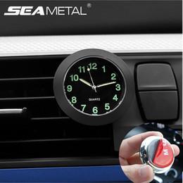94be69ccc934 Estilo del coche Puntero del reloj Reloj luminoso Reloj de cuarzo Relojes  decorativos digitales para el coche Universal Accesorios de automóviles