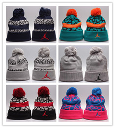 hat winter diamonds Promo Codes - Free Shipping hats Hiphop Beanies cheap Pom Beanie hats Wool Cap Autumn Winter caps Sprot men hat Woolen Hat diamond