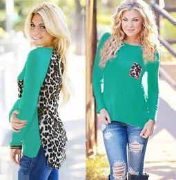 strick-bluse Rabatt Großhandel T Shirts Frauen Tops Rundhals Langarm Chiffon Bluse Dame Tops Shirt Stricken Stitching Leopard T-shirt Plus Size Kleidung