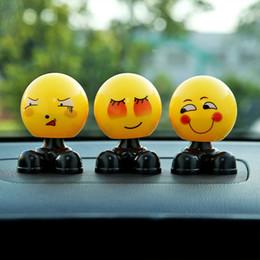 émoticônes de voiture Promotion Universal Car Creative Car Secouant la tête Ornements Personnalité mignonne Chargement Emoticon Sac Bijoux Ornements