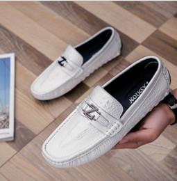 Nouvelles chaussures de course de mode, chaussures de ville décontractées pour hommes, chaussures pour hommes brodées de luxe, cuir de mariage pour fête 39-44 x47. ? partir de fabricateur