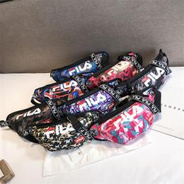tendances du sac pour homme Promotion Sac à taille de marque de mode avec impression de camouflage High Street Mens Crossbody Sac à bandoulière avec logo