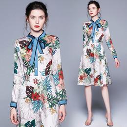 b83cbd89841e3 2019 klassische französische kleider Neue 2019 Runway Classic Luxus Floral  Bedruckte Band Krawatte Kragen Langarm Frauen