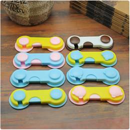 Ferramentas de mão crianças on-line-Kids Drawer Lock Baby Cabinet Locks Adhesive Door Cupboard Cabinet Fridge Drawer Safety Lock Cabinet Locks Hand Tools GGA2060
