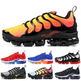 de725a9e525 2019 chaussures tn 2019 TN Plus Hommes Chaussures De Course Triple Noir  Blanc Coucher Du Soleil