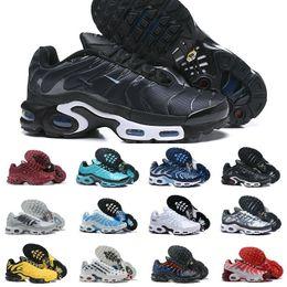 malla de látex Rebajas Venta al por mayor 2019 New Air Plus revive el patrón de cuadrícula original de la ola para los zapatos Tn para hombre Tn Requin Moda malla transpirable zapatillas de deporte para correr
