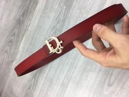 Acessórios de vestuário para homem on-line-Cinto de couro de luxo moda novos homens e mulheres letras de ouro fivela de diamantes acessórios de vestuário de alta qualidade multi-cor opcional