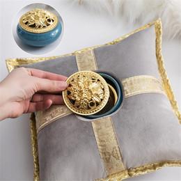 Zubehör mitte osten online-Luxus nahen osten keramik weihrauch kissen räuchergefäß halter kreative goldene kissen tee haus yoga zubehör wohnkultur a-786