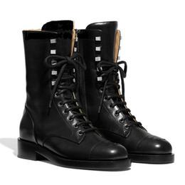 Botas cruzadas online-Señoras Cruz-atados los zapatos de moda de mujer de marca Botas Mortorcycle Botas Mujeres New Botas Mujer Gladiador Bota Femenina