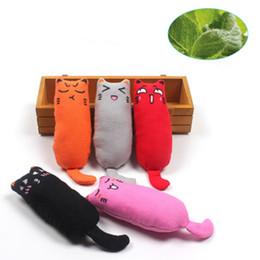 Spielzeug daumen online-Zähne Spielzeug Schleifen Katzenminze Lustige Interaktive Plüsch Haustier Katze Kätzchen Kauen Gesang Spielzeug Krallen Daumen Biss Spielzeug Katze Minze für Katze Kicker