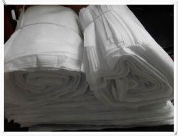 2019 stoccaggio del sacchetto di pattino del panno 100pcs 36 * 29cm Commercio all'ingrosso della fabbrica Bianco quadrato non tessuto borse coulisse di grande capacità di stoffa di stoccaggio borse scarpe sconti stoccaggio del sacchetto di pattino del panno