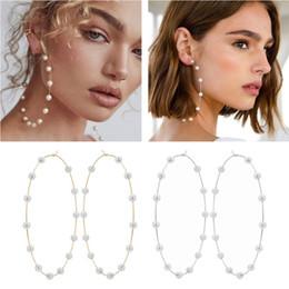 2019 accessoires de cheveux en gros au japon Déclaration élégante de boucles d'oreille de cerceau de perle blanche élégante pour des bijoux de mode de femmes