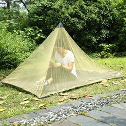 2019 carpas con forma 2 colores 2.2 * 1.2 m Una sola capa Mosquito Net Tiendas de campaña Camping exterior Tienda de malla de forma piramidal Tiendas de campaña Decoraciones de jardín CCA11515 10pcs carpas con forma baratos