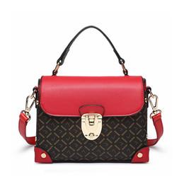 2019 корейская сумочка красного цвета Сумка на плечо корейской версии дикой Messenger текстуры женской маленькой сумочки чистый красный крючок пакет скидка корейская сумочка красного цвета