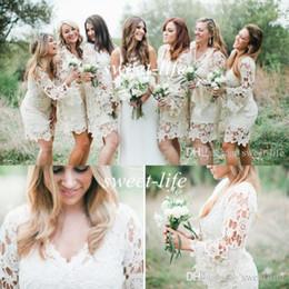 Длинные платья стиля хиппи онлайн-Хиппи стиль платья невесты 2019 дешевые с длинным рукавом цвета слоновой кости кружева длиной до колена плюс размер богемной свадьбы гость партии платья фрейлины