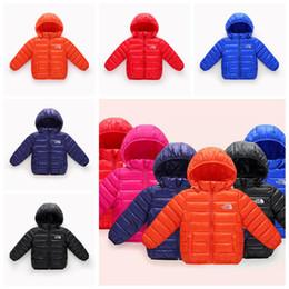 modelo de ropa interior rosa Rebajas Kids Winter Down Coat 5 colores del norte del algodón chaquetas con capucha niños niñas cara exterior luz cálida cremallera abrigos Outwear ropa para el hogar OOA6022