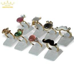 Atacado anel da mostra plástico fosco exibe jóias titular para Ring, Decoração 20pcs Stand / frete grátis Lot de Fornecedores de colar de paládio