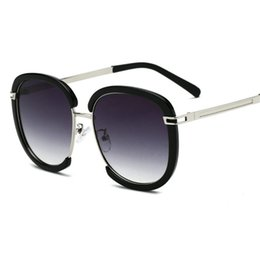 2019 designer óculos quadros para homens Quadrado de Luxo óculos de Sol das mulheres Designer de Marca Senhoras de Grandes Dimensões óculos de Sol Do Vintage Dos Homens Meia Armação de óculos Para Feminino UV400 FML desconto designer óculos quadros para homens