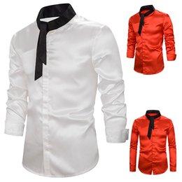 Bräutigamhemd seidenweiß online-Männer Slim Fit Silk Satin-Kleid Shirts Hochzeit Bräutigam Bühne Prom Shirt Männer Langarm-Hemd Männliche Chemise Homme Weiß