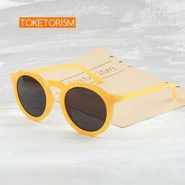 2019 óculos de sol de plástico redondos de amarelo Toketorism óculos de sol das mulheres da moda retro design de qualidade rodada óculos de sol de plástico amarelo 9133 óculos de sol de plástico redondos de amarelo barato