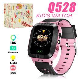 Pulsera infantil perdida online-Q528 Reloj inteligente para niños Pulsera inteligente LBS Tracker SOS con luz Anti Perdida pulsera con tarjeta SIM Cámara para iOS Android en caja