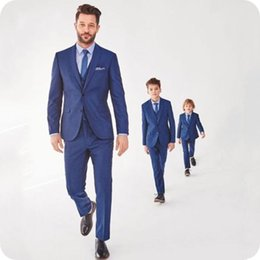 2020 ragazzi blu navy smoking Handsome Blue Men Abiti da sposa Blazer Smoking dello sposo 3Piece Jacket Pants Vest Boy Suit Terno Masculino Two Buttons Costume Homme Mariage sconti ragazzi blu navy smoking