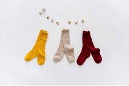 2019 medias al por mayor del arco del cordón de las muchachas Calcetines de los nuevos niños calientes otoño e invierno calcetines de algodón calcetines de varios colores calcetines de bebé medias de encaje