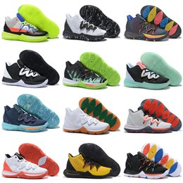 Eva guns online-ROKIT 5 V Freunde Bereich 72 Ray Gun UFO Herzog Oreo BHM Kyrie Basketball Schuhe Herren Konzepte 5 s PE Little Mountain CNY Ikhet Zoom Turbo Sneakers
