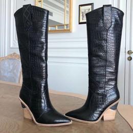 semelles compensées aux genoux Promotion MStacchi Marque Chaussures Femme gaufrée piste Cuissardes Toe Western Cowboy Pointu Bottes Chunky Wedge Slip On v2 Snakeskin