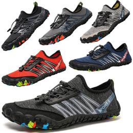 dedos sapatos Desconto Novo cinco-dedo vadear ao ar livre caminhadas sapatos de natação de praia upstream sapatos de mergulho caminhadas à deriva sapatos anfíbios