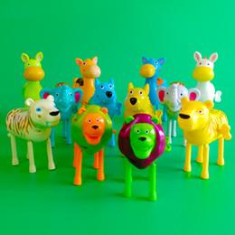 animais da floresta para miúdos Desconto Animais coloridos da floresta dos desenhos animados acabam brinquedos baratos de plástico relógio mecânica adorável brinquedos para crianças por atacado