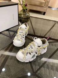 Повседневная обувь онлайн-2019 Pre-Fall Кожа и Оригинальные высокие ботинки для походов, босоножки, обувь для альпинизма для мужчин, женщин Повседневная обувь из натуральной кожи 7345