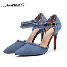 ebdbd4755 Vestido Rosa Sola Plus Size 34-47 Moda Saltos Sexy 2019 Nova Primavera Verão  Marca Sapatos Denim Borla Sandálias Mulheres Bombas Preto Azul