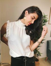 Рубашка с длинным рукавом онлайн-New Spring Summer Blouse Women Solid White Shirts Fashion Leisure Chiffon Shirt Ruffle Office Ladies High Neck Button Tops