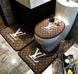 porte chaude Promotion Hot salle de bains siège de toilette trois pièces de la mode chambre tapis de porte en velours de cristal épaisse antidérapante baignoire coussin de siège de toilette