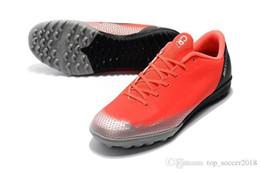 Zapatos de fútbol originales de color rosa bajo Mercurical Victory VI IN TF Zapatos de fútbol para interior para hombre Botas de fútbol Cristiano Ronaldo desde fabricantes