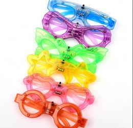 Свет бабочки звезды онлайн-Светодиодные очки светятся в темноте партии Supplies бабочки Любовь сердца Человек-паук Пятиконечная Звезда Форма 6 огни очки KKA7565