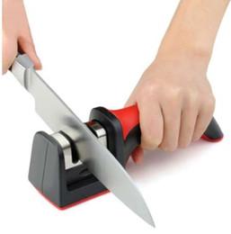 Inoxidable cuchillo de cerámica online-Afilador de cuchillos profesional Carburo de acero de tungsteno Cuchillo de cerámica de afilar Herramientas de cocina Color aleatorio